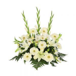 Centro de flores brancas para funeral