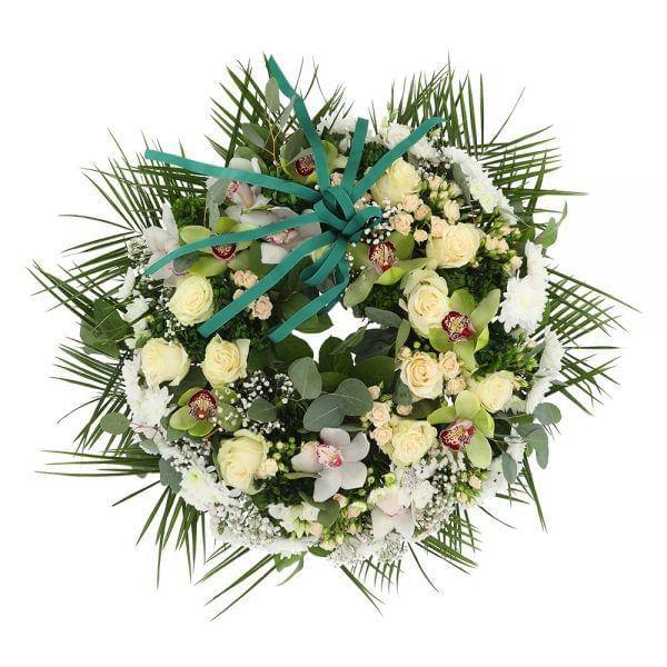 Coroa de várias flores para funeral